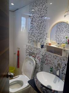 निगड़ी में मोराया के बाथरूम की तस्वीर
