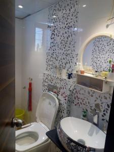 Bathroom Image of Moraya in Ravet