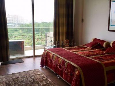 Gallery Cover Image of 2200 Sq.ft 3 BHK Apartment for rent in Prateek Fedora, Sector 61 for 30000
