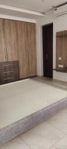 Gallery Cover Image of 2200 Sq.ft 3 BHK Apartment for rent in Hextax Commune Apartments, Sector 43 for 36000