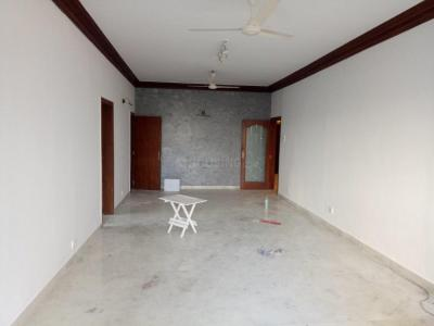 Gallery Cover Image of 1900 Sq.ft 3 BHK Apartment for rent in Malabar Hill for 225000