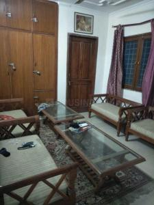 Gallery Cover Image of 1600 Sq.ft 3 BHK Apartment for rent in Arun Vihar, Sector 37 for 28000