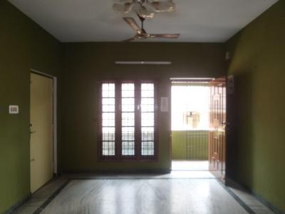 Gallery Cover Image of 1100 Sq.ft 2 BHK Apartment for rent in Velachery for 18000