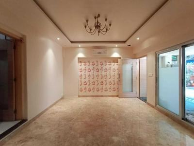 Gallery Cover Image of 850 Sq.ft 1 BHK Independent House for buy in Kandivali West for 6800000