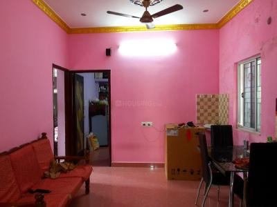 Gallery Cover Image of 1050 Sq.ft 2 BHK Independent Floor for buy in Nanganallur for 5000000