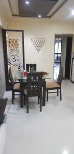 Gallery Cover Image of 900 Sq.ft 2 BHK Apartment for buy in Andheri West for 23500000