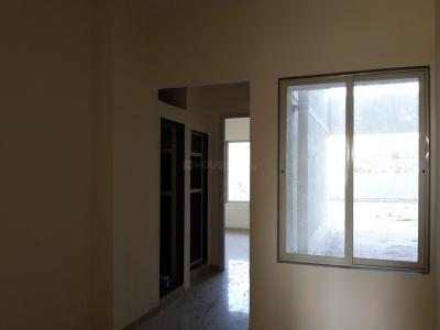 Gallery Cover Image of 645 Sq.ft 1 BHK Apartment for rent in Kandivali East for 25000