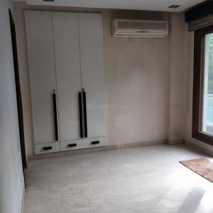 Gallery Cover Image of 2115 Sq.ft 3 BHK Apartment for buy in Safdarjung Enclave for 43500000