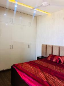 Gallery Cover Image of 630 Sq.ft 1 BHK Apartment for buy in Sector 51 for 1290000