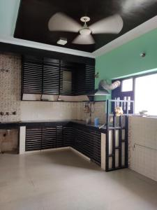 Gallery Cover Image of 1800 Sq.ft 3 BHK Independent Floor for rent in Shatabdi Enclave, Sector 49 for 25000
