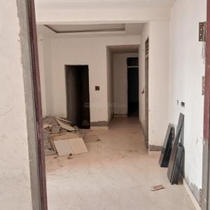 Gallery Cover Image of 650 Sq.ft 2 BHK Apartment for buy in Sector 105 for 2500000