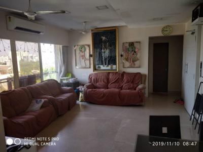 Gallery Cover Image of 1230 Sq.ft 3 BHK Apartment for buy in Santacruz West for 60000000