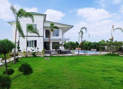 9072 Sq.ft Residential Plot for Sale in Nagla Nagli, Noida