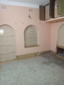 Gallery Cover Image of 750 Sq.ft 2 BHK Independent Floor for rent in Dum Dum for 7500