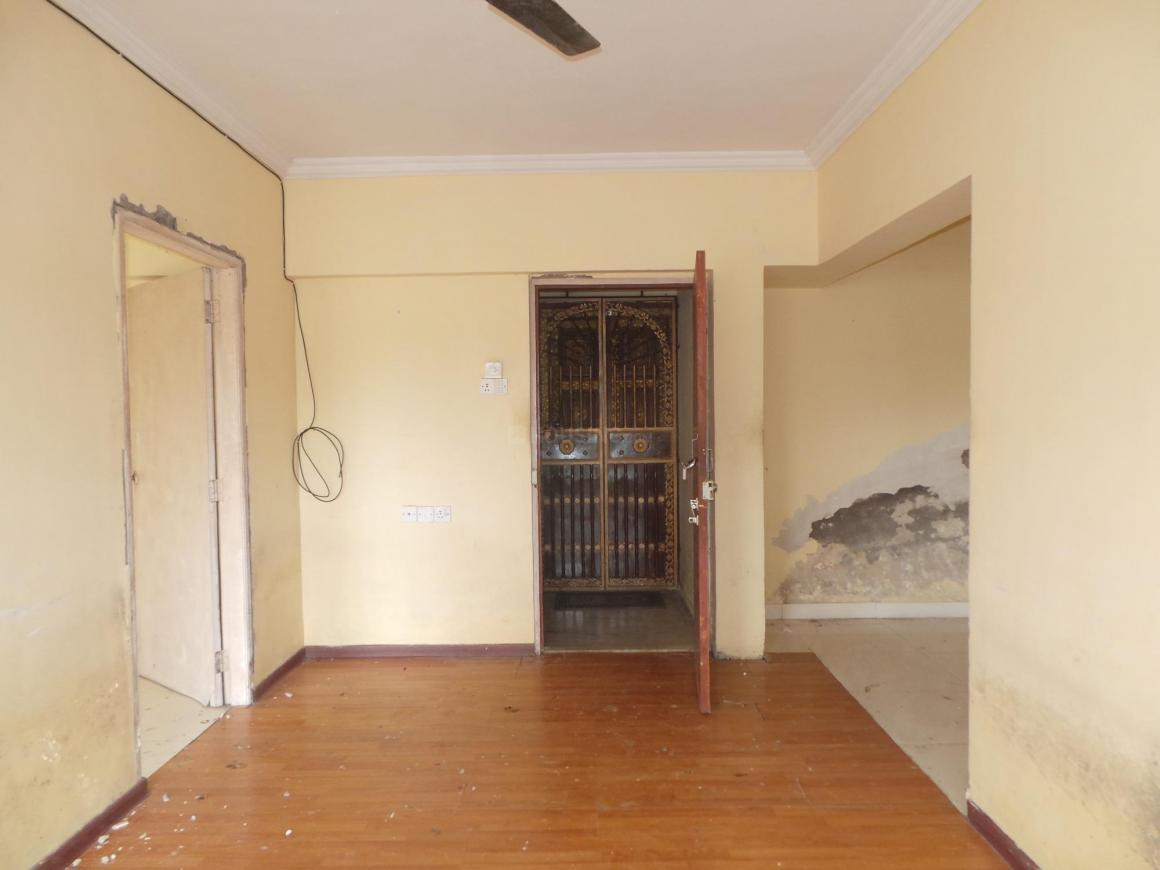 Living Room Image of 1250 Sq.ft 3 BHK Apartment for buy in Goregaon East for 7800000