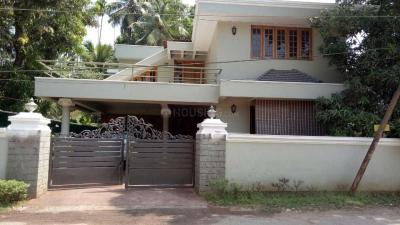 Gallery Cover Image of 3100 Sq.ft 4 BHK Independent House for buy in Kizhakkumpattukara for 20000000