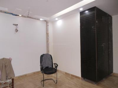 Gallery Cover Image of 900 Sq.ft 3 BHK Apartment for buy in Safdarjung Enclave for 12500000