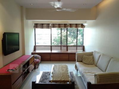 Gallery Cover Image of 650 Sq.ft 1 BHK Apartment for rent in Andheri West for 55000