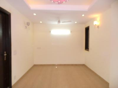 Gallery Cover Image of 720 Sq.ft 2 BHK Apartment for buy in Safdarjung Enclave for 8000000