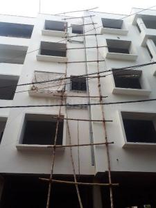 Gallery Cover Image of 1300 Sq.ft 3 BHK Independent Floor for buy in Lake Town for 6400000