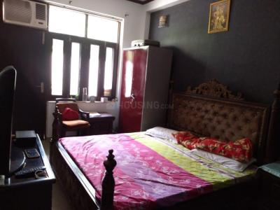 Gallery Cover Image of 1600 Sq.ft 3 BHK Independent Floor for rent in Sector 53 for 55000