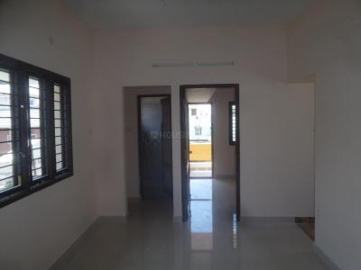 Gallery Cover Image of 800 Sq.ft 1 BHK Apartment for rent in Velachery for 14000