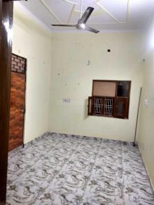 Gallery Cover Image of 400 Sq.ft 1 BHK Independent Floor for rent in Shakarpur Khas for 10000