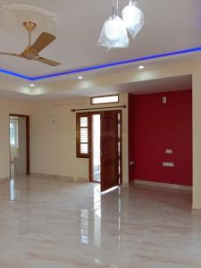 Gallery Cover Image of 1600 Sq.ft 2 BHK Apartment for rent in Kalyan Nagar for 36000
