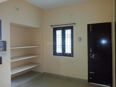 Gallery Cover Image of 958 Sq.ft 2 BHK Apartment for rent in Chromepet for 14000