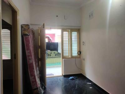 Gallery Cover Image of 800 Sq.ft 2 BHK Independent Floor for rent in Ejipura for 13000