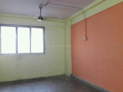 Gallery Cover Image of 350 Sq.ft 1 RK Apartment for rent in Kandivali West for 10500