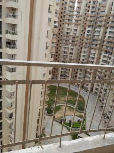 Gallery Cover Image of 890 Sq.ft 2 BHK Apartment for buy in Supertech Eco Village 2, Sector 15A for 4000000