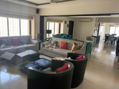 Gallery Cover Image of 2500 Sq.ft 3 BHK Apartment for rent in Worli for 280000