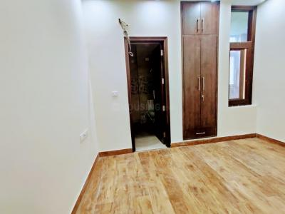 Gallery Cover Image of 1800 Sq.ft 3 BHK Apartment for rent in Krishna Nagar for 45000
