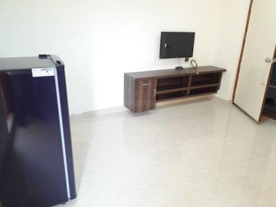 Gallery Cover Image of 600 Sq.ft 1 BHK Apartment for rent in Madhapur for 25000