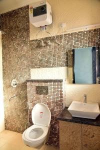 Bathroom Image of Shree Laxmi Associate PG in DLF Phase 4