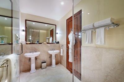 Common Bathroom Image of Co Living At Metrozone in Anna Nagar