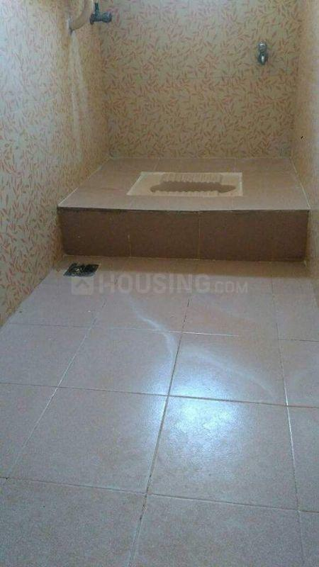 Common Bathroom Image of 1000 Sq.ft 2 BHK Independent Floor for rent in Poonamallee for 12000