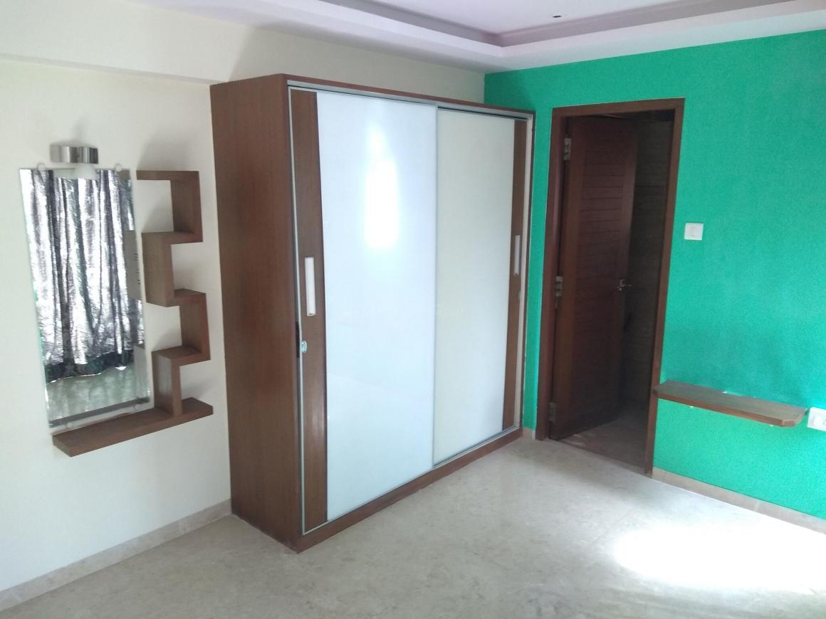 Living Room Image of 800 Sq.ft 2 BHK Apartment for rent in Bandra West for 150000