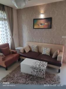 Gallery Cover Image of 1075 Sq.ft 2 BHK Apartment for buy in Mahendra Aarna, Electronic City for 6200000