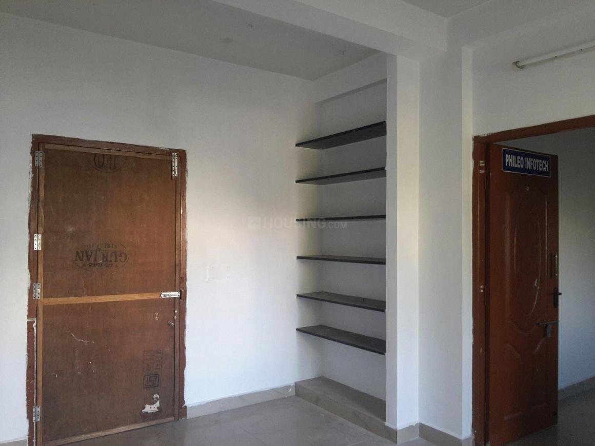 Living Room Image of 600 Sq.ft 1 BHK Apartment for rent in Medavakkam for 10000