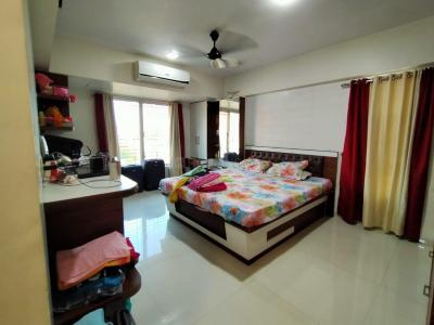 Gallery Cover Image of 900 Sq.ft 2 BHK Apartment for rent in Katyayani Enclave, Santacruz East for 65000
