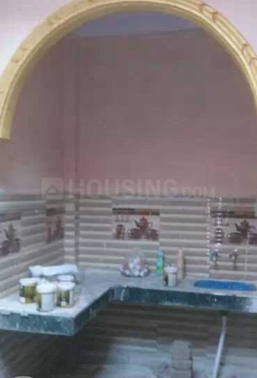 Kitchen Image of 450 Sq.ft 2 BHK Independent House for buy in Masjid Area for 1800000