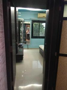 Gallery Cover Image of 865 Sq.ft 2 BHK Apartment for rent in Malad West for 45000