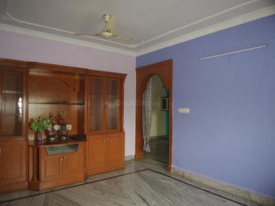 Gallery Cover Image of 1400 Sq.ft 3 BHK Apartment for rent in Mathrusree Homes, Hafeezpet for 23000