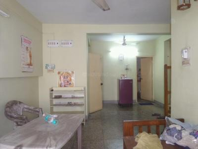 Gallery Cover Image of 850 Sq.ft 1 BHK Apartment for rent in Lake Gardens for 12000