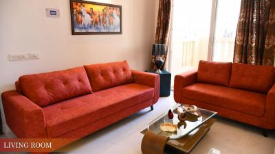 Gallery Cover Image of 1045 Sq.ft 2 BHK Apartment for buy in Royal Heritage, Sector 70 for 3500000