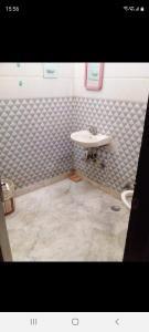 Bathroom Image of Many More Options in Rajinder Nagar