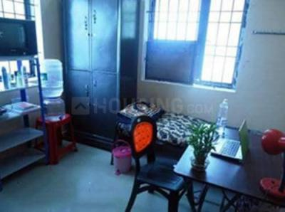 Bedroom Image of Flower Ladies Hostel in Sholinganallur