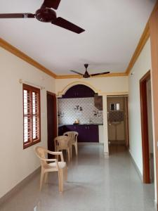 Gallery Cover Image of 800 Sq.ft 2 BHK Independent House for rent in Mahadevapura for 14000